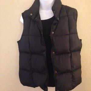 L L Bean vest size small.